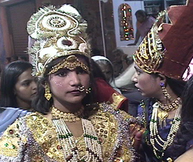 Betmaar festival, young girls